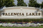 Valencia Lakes community sign